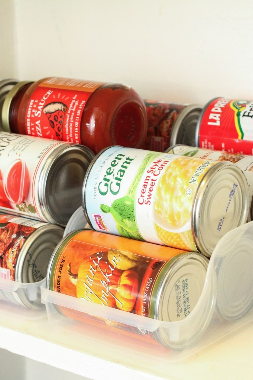 kitchen-cabinet-organization-ideas-can-holders