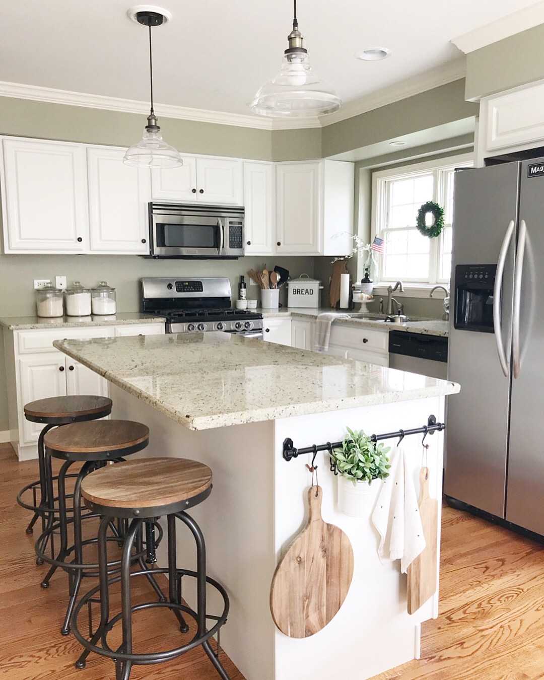 kitchen-cabinet-storage-add-a-side-rail