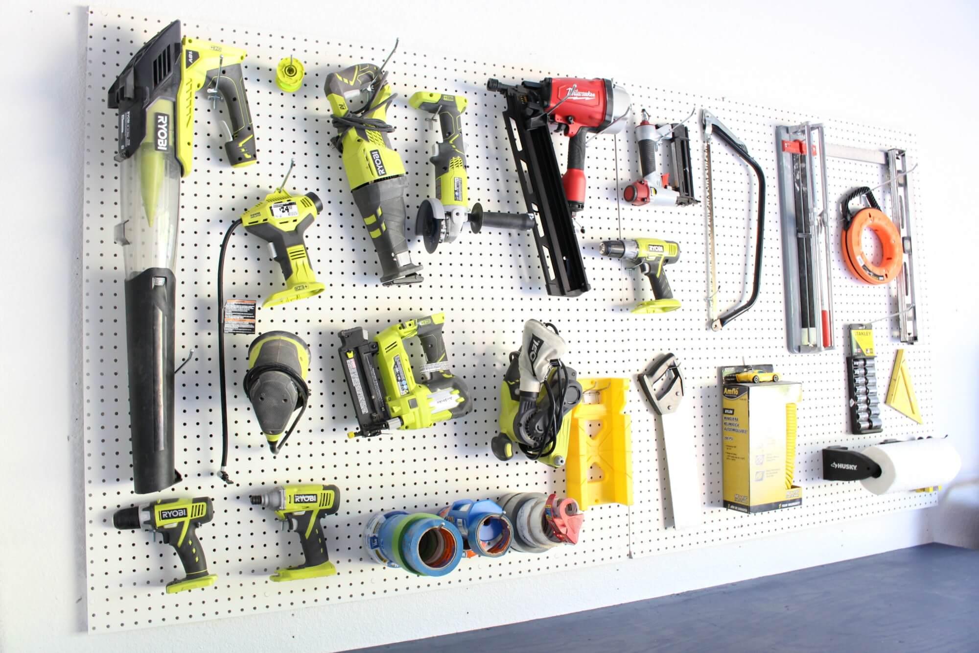 Hook-hangers-for-power-tools